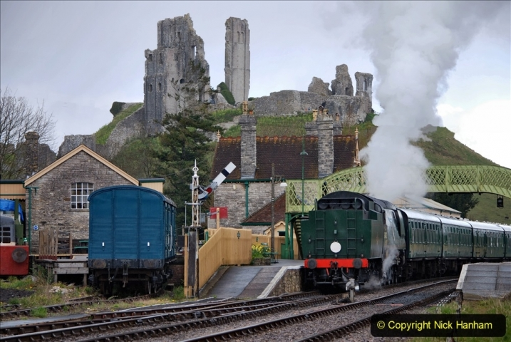 2021-04-12 SR First public train of 2021. (101) First down train return working at Corfe Castle. 101