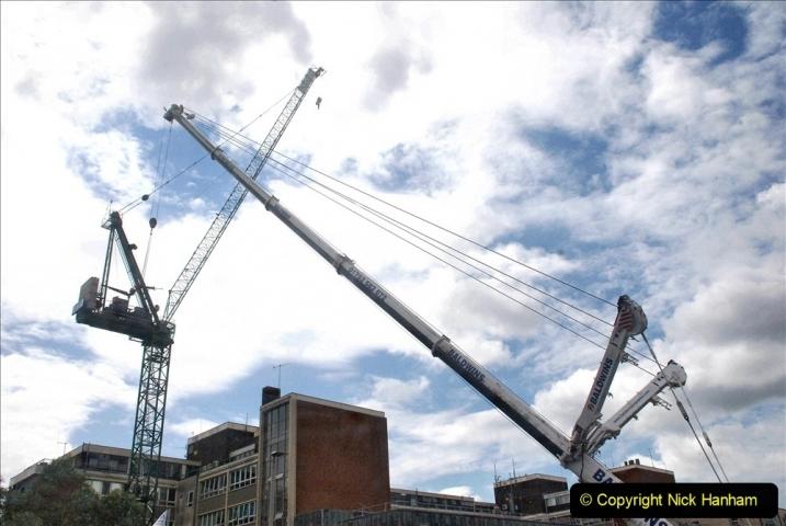 2021-08-01 Poole Hospital Crane Operation. (10) 010