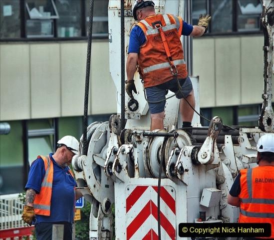 2021-08-01 Poole Hospital Crane Operation. (24) 024