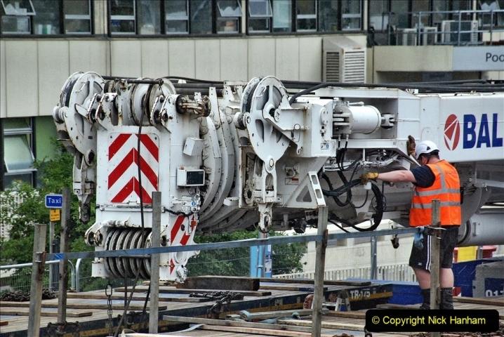 2021-08-01 Poole Hospital Crane Operation. (35) 035