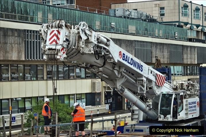 2021-08-01 Poole Hospital Crane Operation. (39) 039