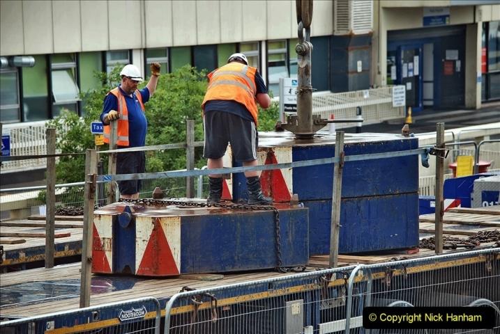 2021-08-01 Poole Hospital Crane Operation. (47) 047