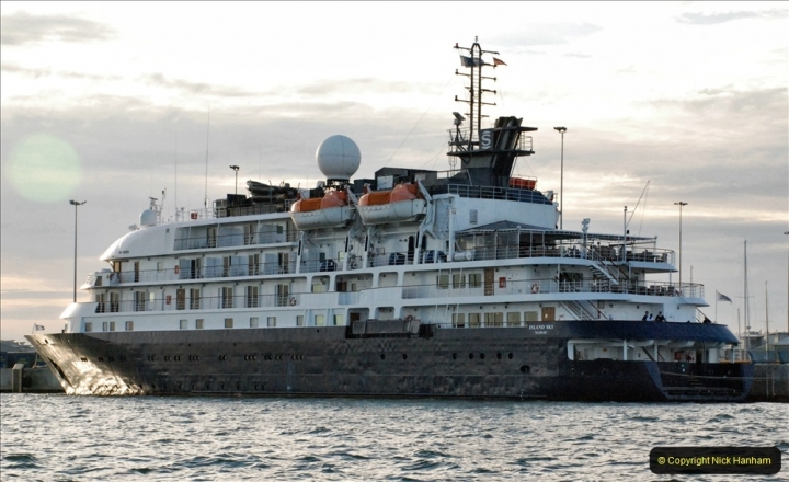2021-08-14 SR Volunteers & Staff Boat trip & BBQ Poole Harbour & Poole Bay. (47) 047