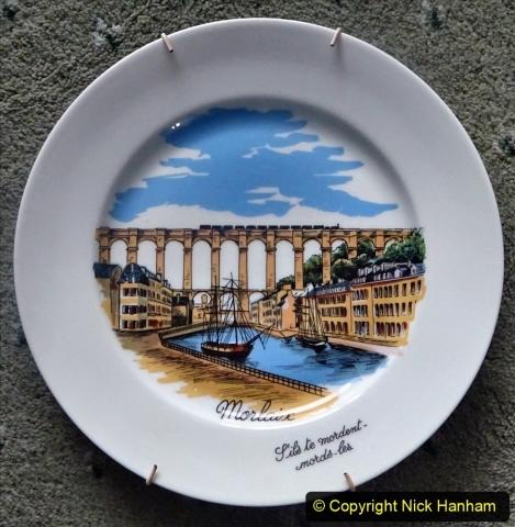 Plates. (25) 120