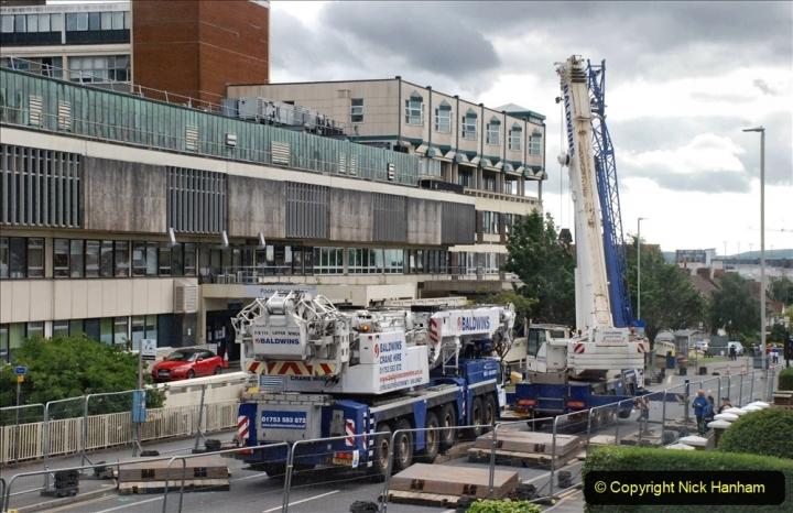 2021-07-30 Poole Hospital Crane Operation. (35) 035