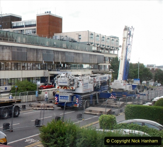 2021-07-30 Poole Hospital Crane Operation. (38) 038