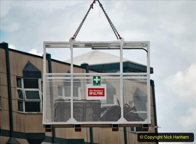 2021-07-31 Poole Hospital Crane Operation. (11) 011