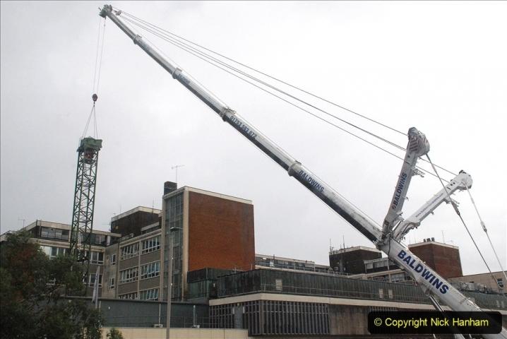 2021-07-31 Poole Hospital Crane Operation. (41) 041
