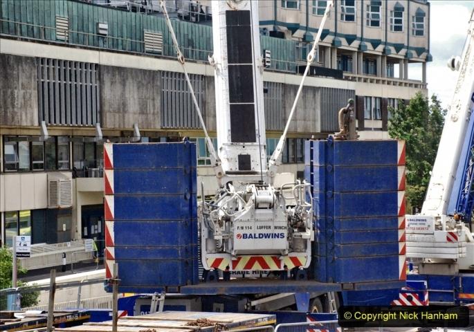 2021-07-31 Poole Hospital Crane Operation. (8) 008