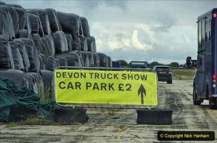 2021-06-26 The Devon Truck Show. (5) Entrance to the show via a farm yard. 005