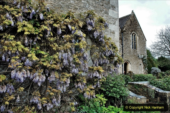 2021-05-18 Wiltshire Holiday Day 2. (54) Great Chalfield Mannor NT. 054