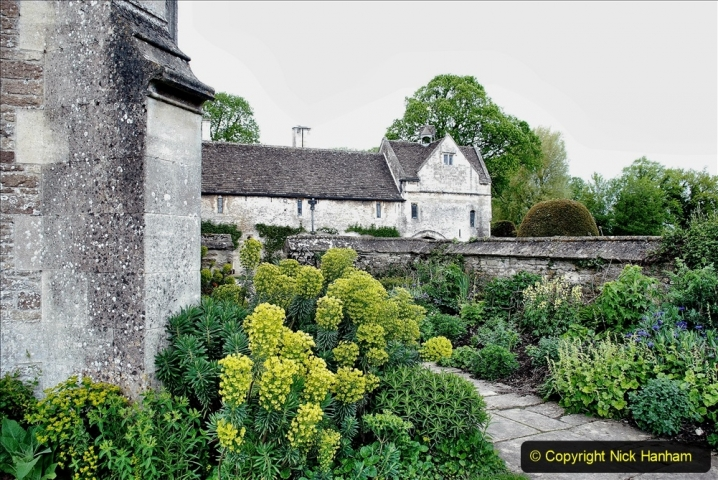 2021-05-18 Wiltshire Holiday Day 2. (9) Great Chalfield Mannor NT. 009
