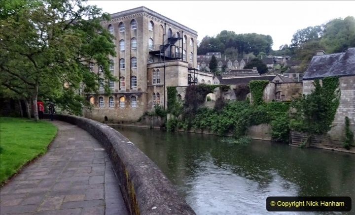 2021-05-18 Wiltshire Holiday Day 2. (99) Great Chalfield Mannor NT. Dusk in Bradford on Avon. 099
