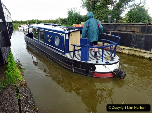 2021-05-19 Wiltshire Holiday Day 3. (107) Kennet & Avon Canal on a Sally Day Boat with friends. 107