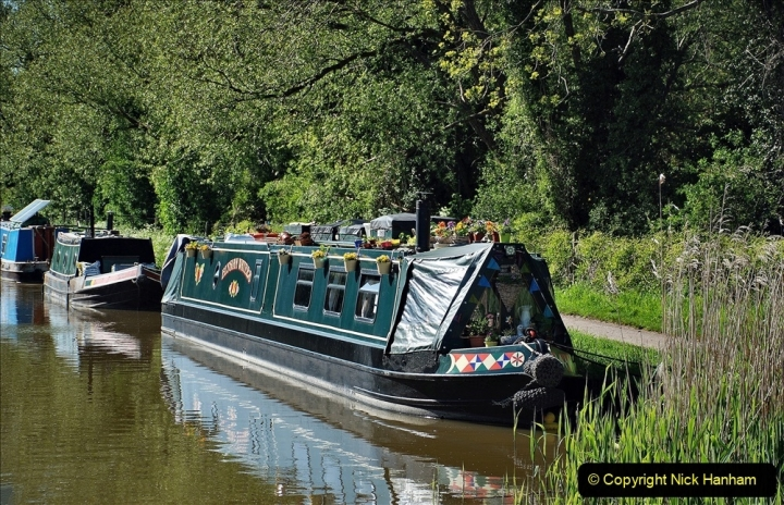2021-05-19 Wiltshire Holiday Day 3. (114) Kennet & Avon Canal on a Sally Day Boat with friends. 114