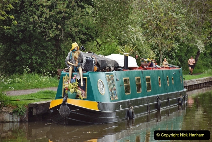 2021-05-19 Wiltshire Holiday Day 3. (22) Kennet & Avon Canal on a Sally Day Boat with friends. 022