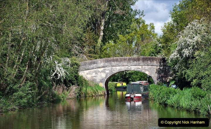 2021-05-19 Wiltshire Holiday Day 3. (31) Kennet & Avon Canal on a Sally Day Boat with friends. 031