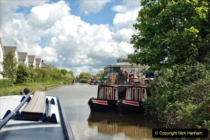 2021-05-19 Wiltshire Holiday Day 3. (38) Kennet & Avon Canal on a Sally Day Boat with friends. 038