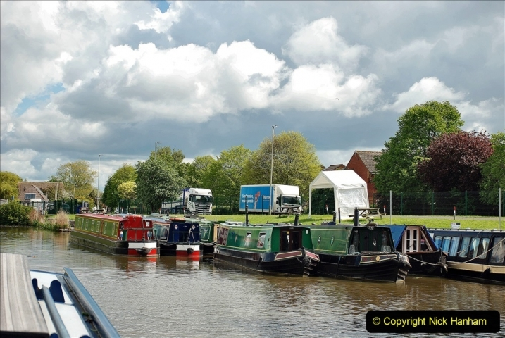 2021-05-19 Wiltshire Holiday Day 3. (41) Kennet & Avon Canal on a Sally Day Boat with friends. 041