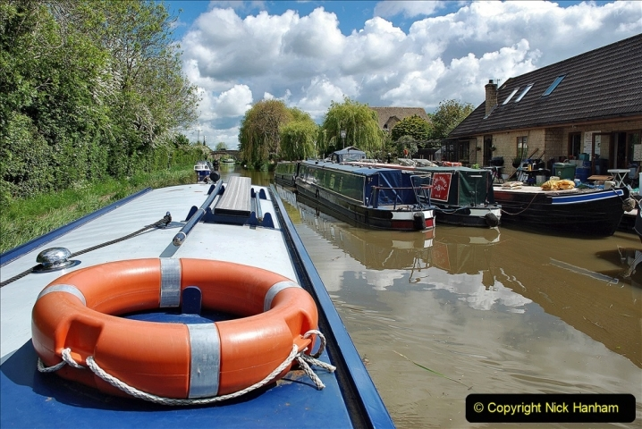 2021-05-19 Wiltshire Holiday Day 3. (44) Kennet & Avon Canal on a Sally Day Boat with friends. 044