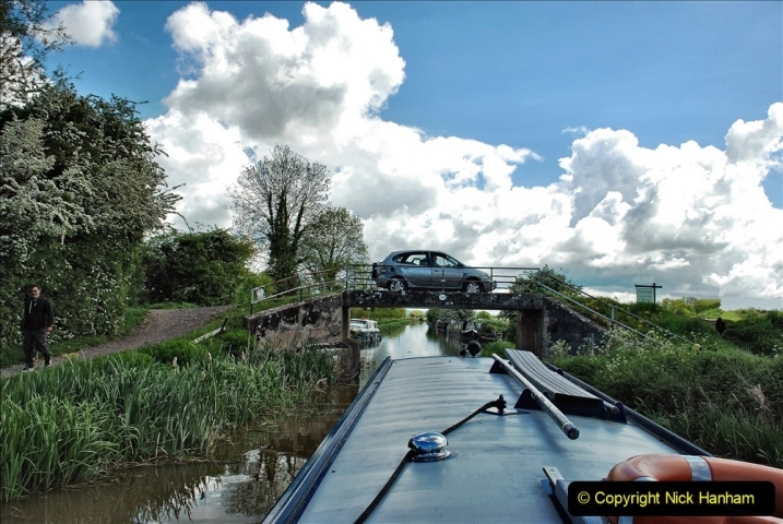 2021-05-19 Wiltshire Holiday Day 3. (57) Kennet & Avon Canal on a Sally Day Boat with friends. 057