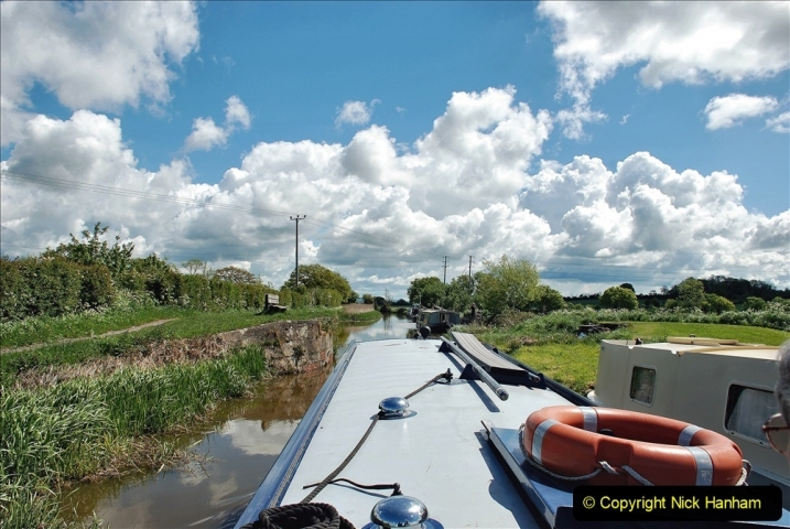 2021-05-19 Wiltshire Holiday Day 3. (61) Kennet & Avon Canal on a Sally Day Boat with friends. 061