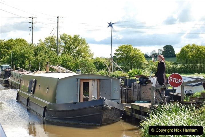 2021-05-19 Wiltshire Holiday Day 3. (62) Kennet & Avon Canal on a Sally Day Boat with friends. 062
