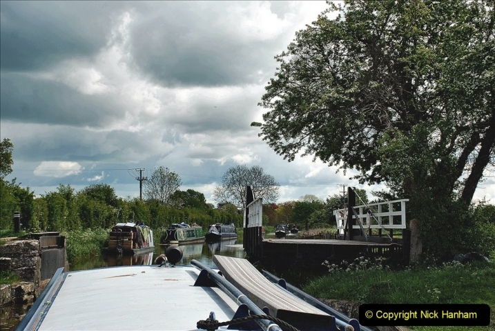 2021-05-19 Wiltshire Holiday Day 3. (70) Kennet & Avon Canal on a Sally Day Boat with friends. 070