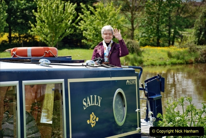 2021-05-19 Wiltshire Holiday Day 3. (72) Kennet & Avon Canal on a Sally Day Boat with friends. 072