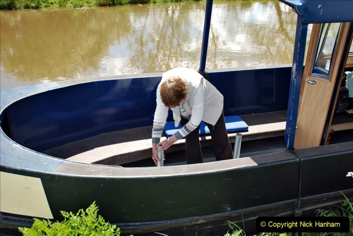 2021-05-19 Wiltshire Holiday Day 3. (73) Kennet & Avon Canal on a Sally Day Boat with friends. 073