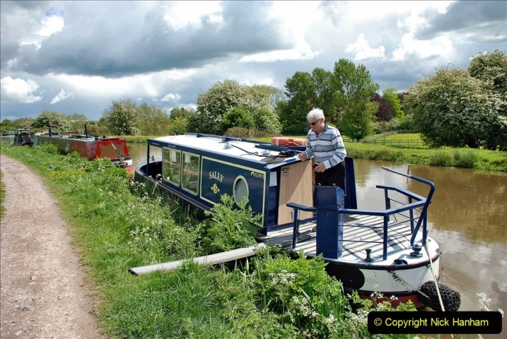 2021-05-19 Wiltshire Holiday Day 3. (78) Kennet & Avon Canal on a Sally Day Boat with friends. 078