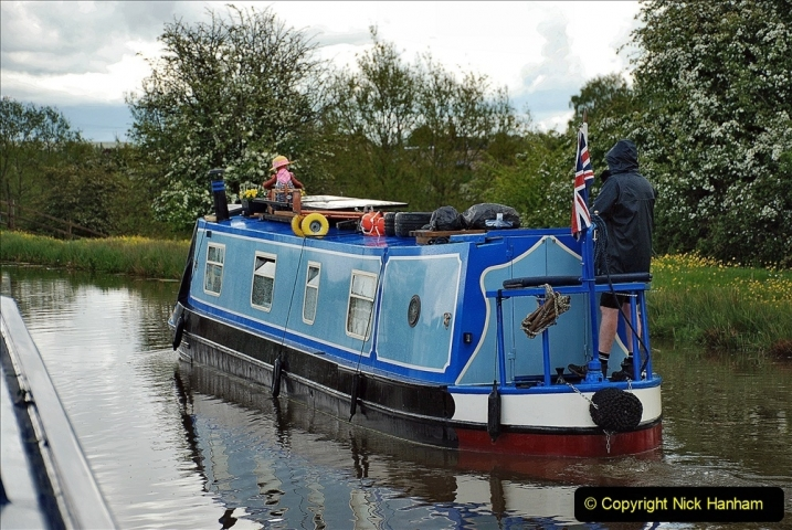 2021-05-19 Wiltshire Holiday Day 3. (83) Kennet & Avon Canal on a Sally Day Boat with friends. 083