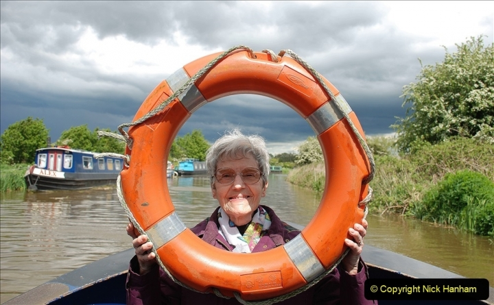 2021-05-19 Wiltshire Holiday Day 3. (87) Kennet & Avon Canal on a Sally Day Boat with friends. 087