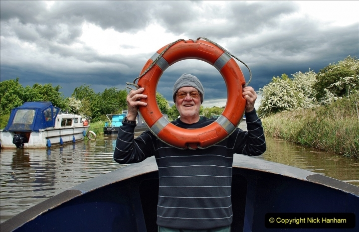 2021-05-19 Wiltshire Holiday Day 3. (88) Kennet & Avon Canal on a Sally Day Boat with friends. 088