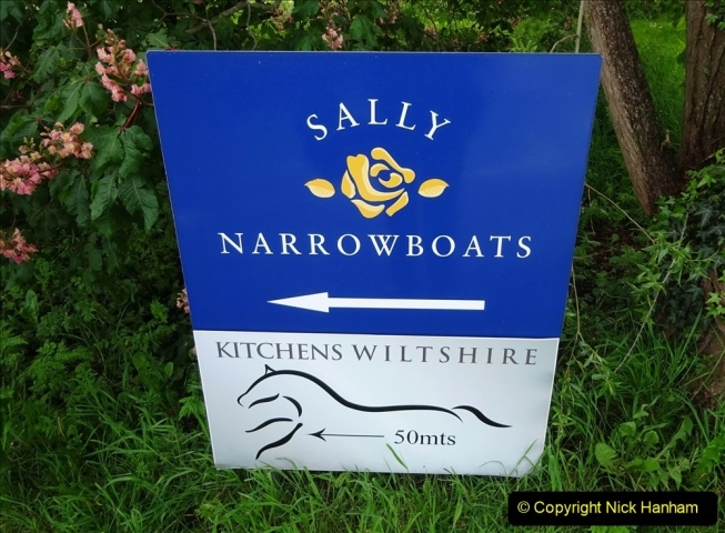 2021-05-19 Wiltshire Holiday Day 3. (9) Kennet & Avon Canal on a Sally Day Boat with friends. 009