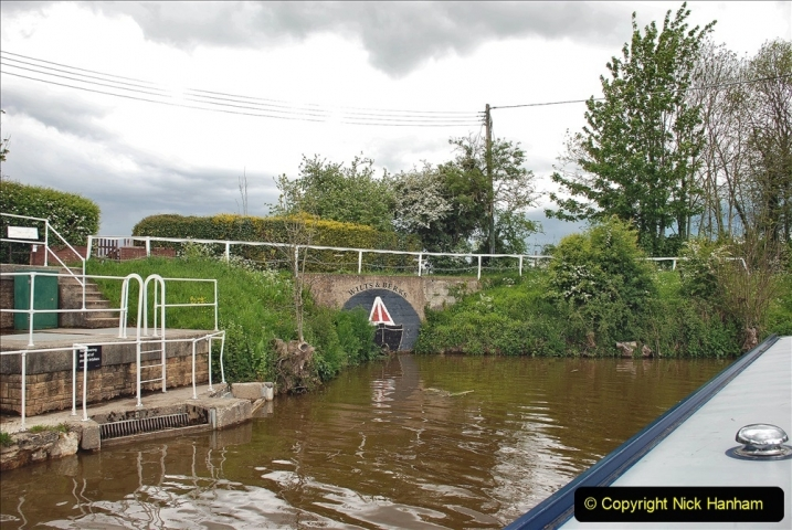 2021-05-19 Wiltshire Holiday Day 3. (92) Kennet & Avon Canal on a Sally Day Boat with friends. 092