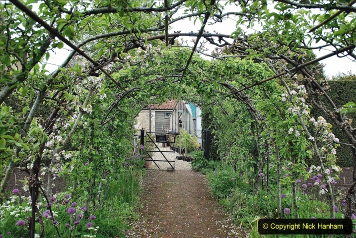 2021-05-20 Wiltshire Holiday Day 4. (27) The Courts Garden NT.