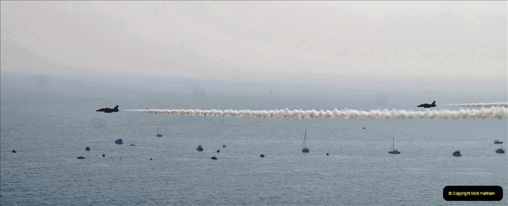 2021-09-03 Bournemouth Air Show Pictures AIR. (57) The Red Arrows. 057