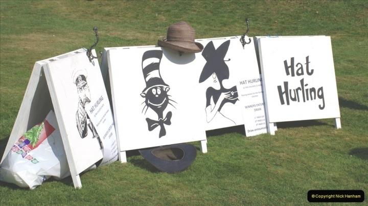 2021-09-04 Bridport Hat Festival. (112) On the Green. 111 Hat Hurling.