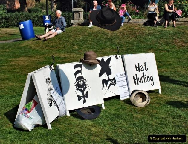 2021-09-04 Bridport Hat Festival. (115) On the Green. 111 Hat Hurling.