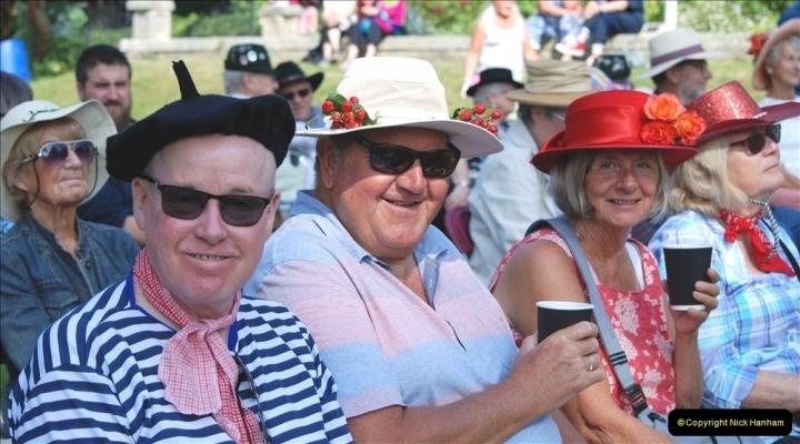 2021-09-04 Bridport Hat Festival. (186) On the Green. 186