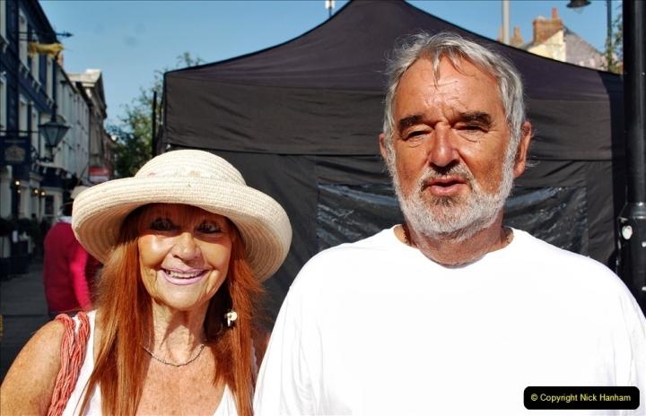 2021-09-04 Bridport Hat Festival. (21) In the town. 021