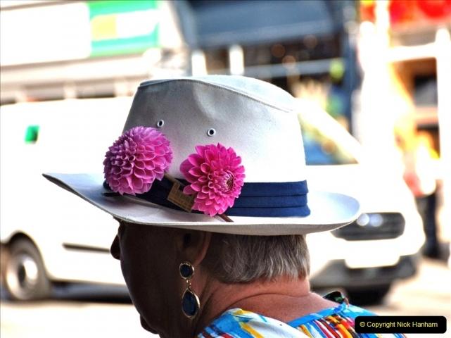 2021-09-04 Bridport Hat Festival. (24) In the town. 024