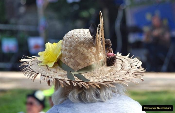 2021-09-04 Bridport Hat Festival. (294) On the Green. 294