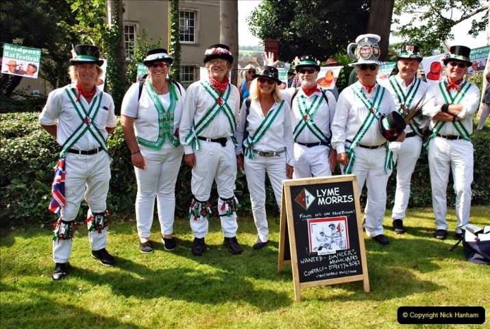 2021-09-04 Bridport Hat Festival. (342) On the Green. The Morris Men and Ladies. 342