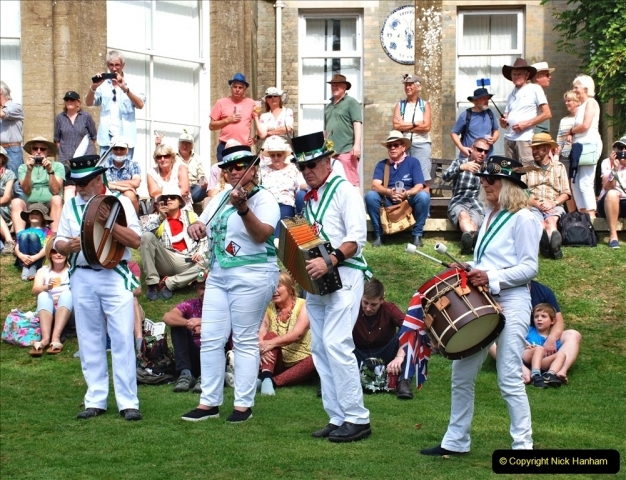 2021-09-04 Bridport Hat Festival. (346) On the Green. The Morris Men and Ladies. 346