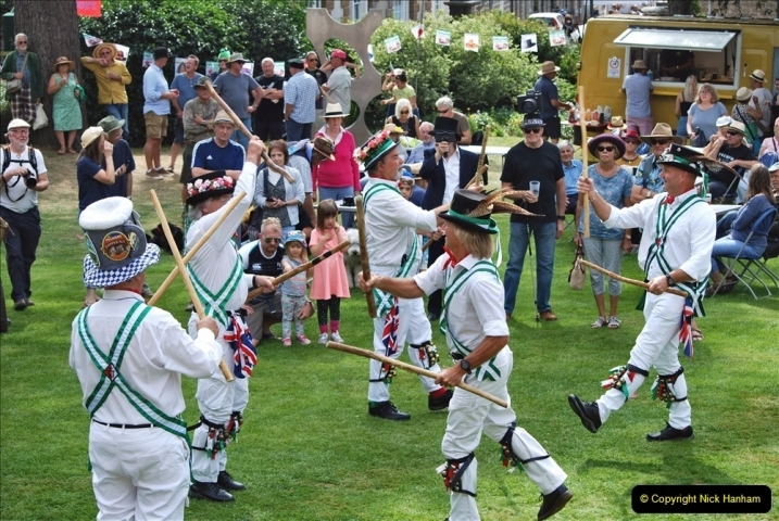 2021-09-04 Bridport Hat Festival. (353) On the Green. The Morris Men and Ladies. 353