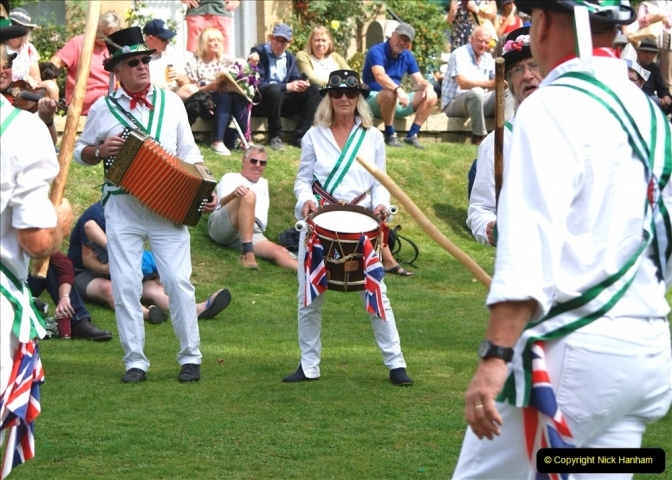 2021-09-04 Bridport Hat Festival. (355) On the Green. The Morris Men and Ladies. 355
