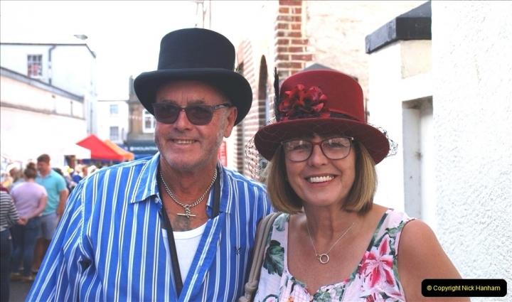 2021-09-04 Bridport Hat Festival. (44) In the town. 044