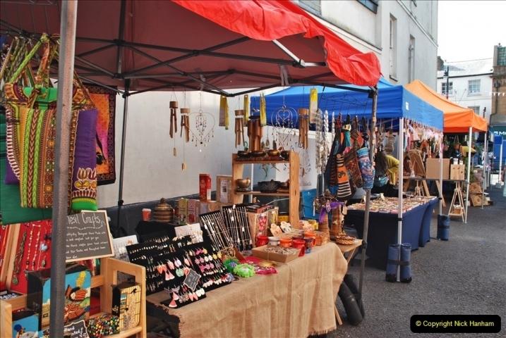 2021-09-04 Bridport Hat Festival. (7) In the town. 007
